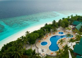 maledivy-hotel-furaveri-island-resort-spa-002.jpg