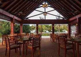 maledivy-hotel-furaveri-island-resort-spa-016.jpg
