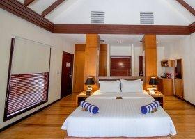 maledivy-hotel-furaveri-island-resort-spa-132.jpg