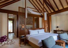 maledivy-hotel-furaveri-island-resort-spa-136.jpg