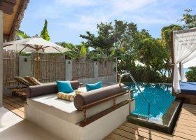 maledivy-hotel-furaveri-island-resort-spa-137.jpg