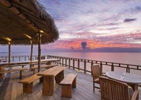 maledivy-hotel-furaveri-island-resort-spa-142.jpg