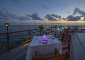 maledivy-hotel-furaveri-island-resort-spa-147.jpg