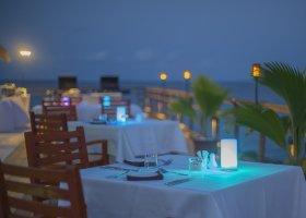 maledivy-hotel-furaveri-island-resort-spa-148.jpg