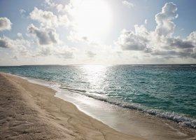 maledivy-hotel-hideaway-beach-resort-spa-167.jpg