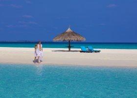 maledivy-hotel-kuredu-island-resort-141.jpeg